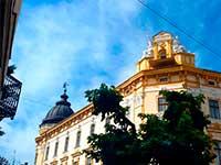 Будиночки в казковій Коломиї під час екскурсії в Карпатах
