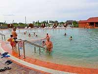 Купання в термальних басейнах, в програмі відпочинку туру в Карпати і Львів