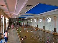 Закритий басейн в Берегово, термальні води Закарпаття в турі