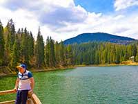 Наш тур триває біля озера Синевир в глибині Карпат