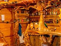 Інтер'єр колиби Бабай в програмі туру в Закарпатті та Карпати