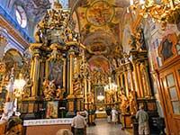 Інтер'єр Бернардинського монастиря в поїздці на вихідні до Львова
